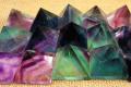 Piramidi E Onde Di Forma