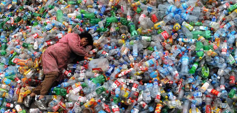 San Francisco vieta le bottiglie di plastica 002