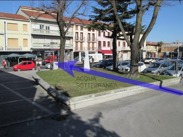 foto Menhir di Piazza Matteotti 695