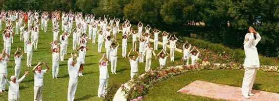 Il Nostro Sé Superiore Dimora Nel Sole Omraam-Mikhaël-Aïvanhov-meditazione-al-mattino