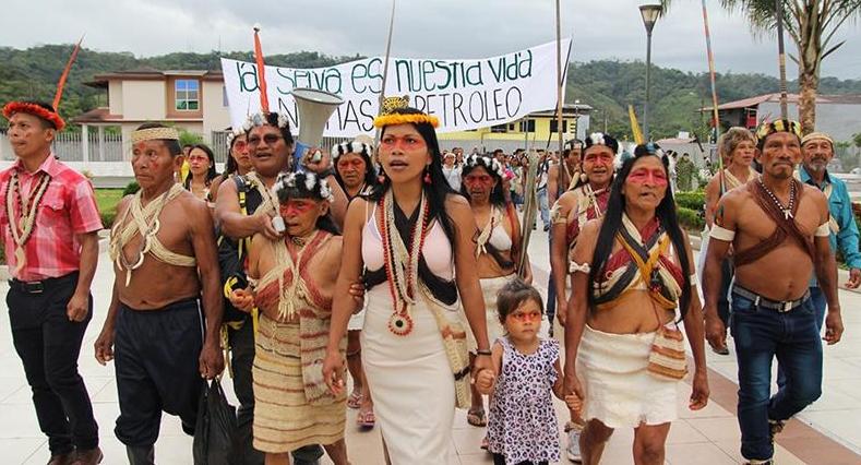LA LOTTA DEGLI INDIOS DELL'ECUADOR PER IL DIRITTO ALLA TERRA