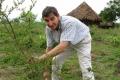 L'UOMO CHE FA RINASCERE LE FORESTE IN AFRICA